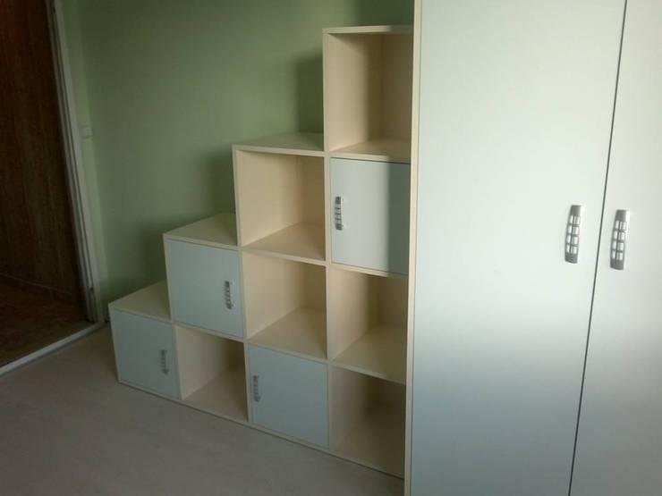 Dormitorio infantil: Recámaras infantiles de estilo  por Departamento de Diseño