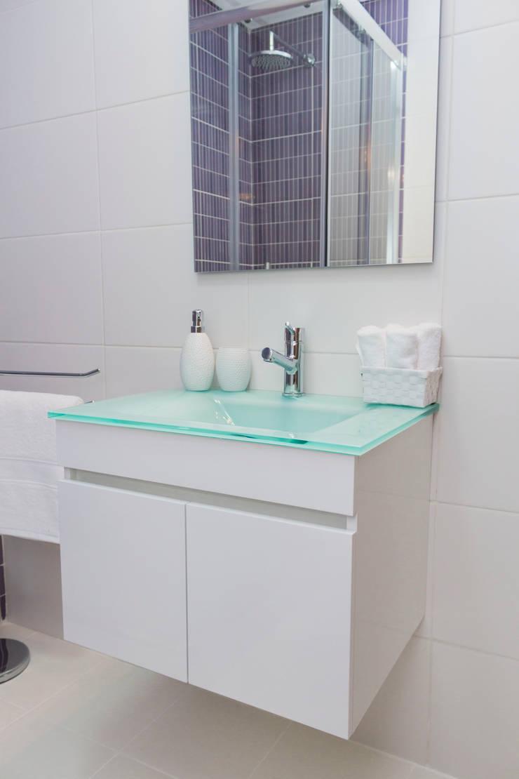 Detalhes.: Casa de banho  por Alma Braguesa Furniture
