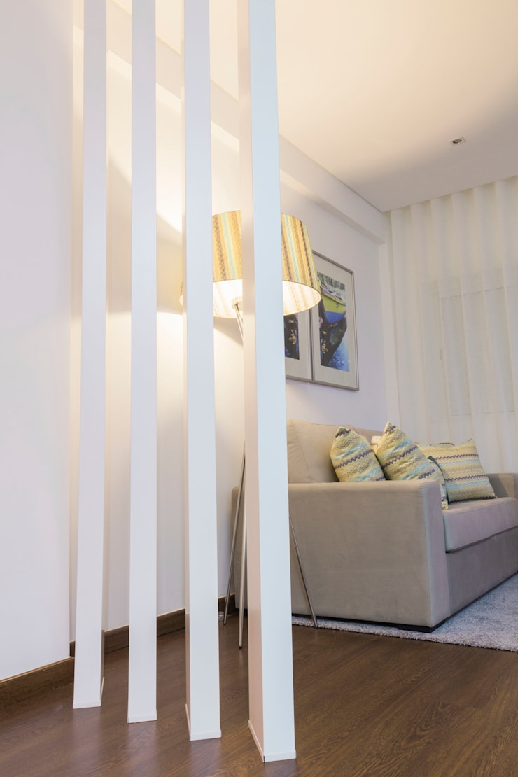 Detalhes.: Sala de estar  por Alma Braguesa Furniture