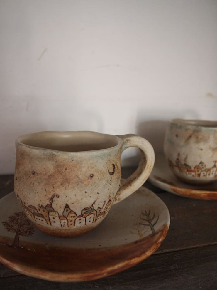 カップ&ソーサー: 土の家が手掛けたキッチンです。,