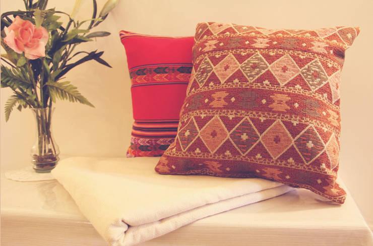 Almohadón Marruecos: Hogar de estilo  por Neyque,