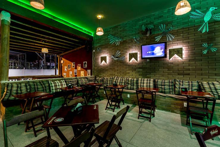 Seu Zé Lounge Bar - FSA: Bares e clubes  por EdVasco Decorações,