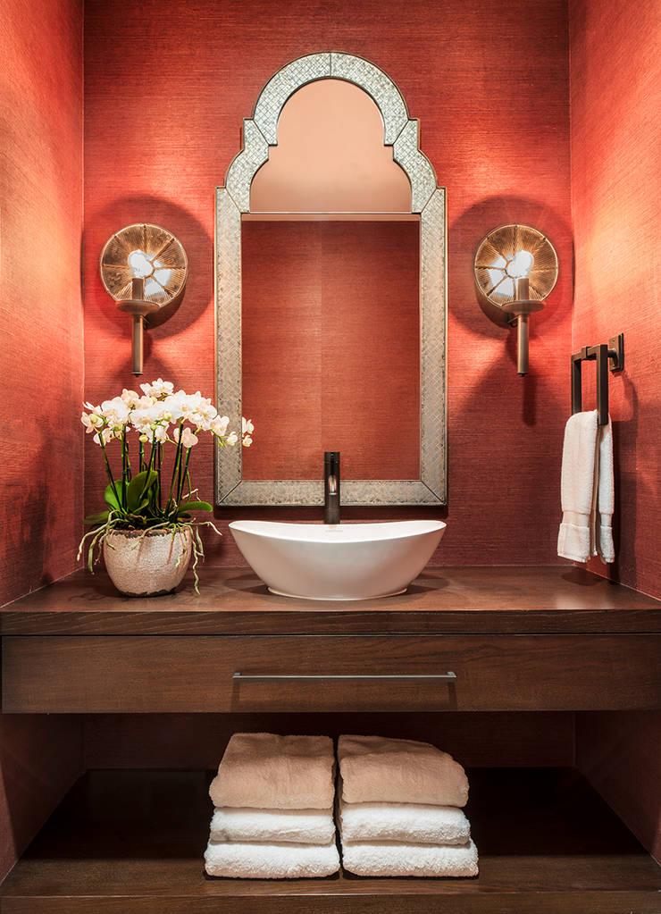 Banheiro em Sausalito: Casas de banho  por Antonio Martins Interior Design Inc