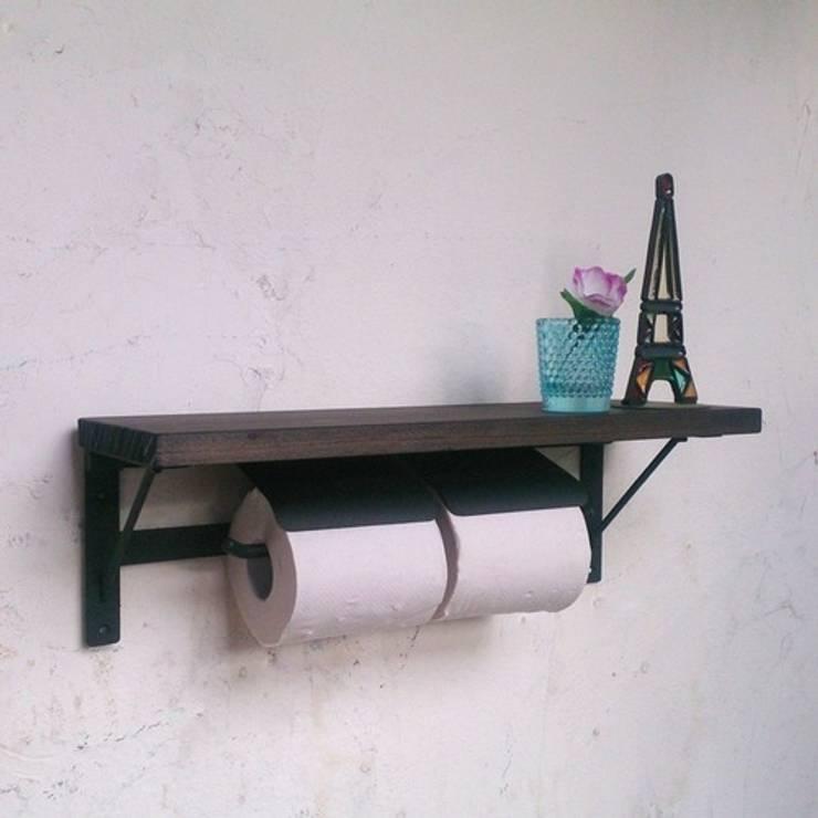 <フタ付>シェルフ付ダブルペーパーホルダー: AUOSBRAND Create&Designが手掛けた洗面所&風呂&トイレです。