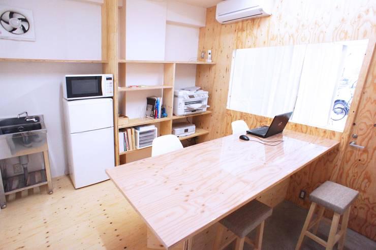 京都M社改装計画 オリジナルデザインの 多目的室 の ニュートラル建築設計事務所 オリジナル