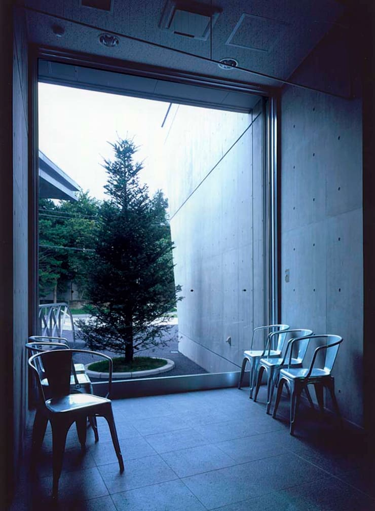 窓: 株式会社 t2・アーキテクトデザイン 一級建築士事務所が手掛けた窓です。,
