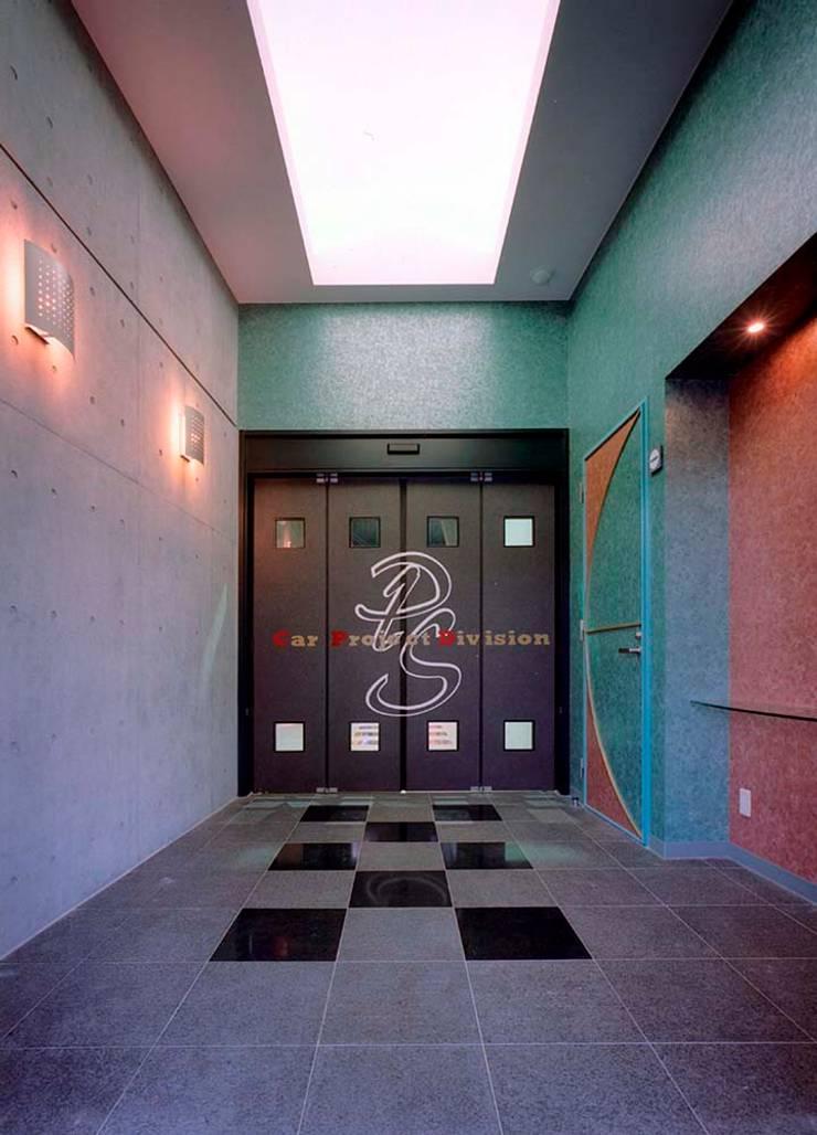 ドア: 株式会社 t2・アーキテクトデザイン 一級建築士事務所が手掛けた窓&ドアです。,