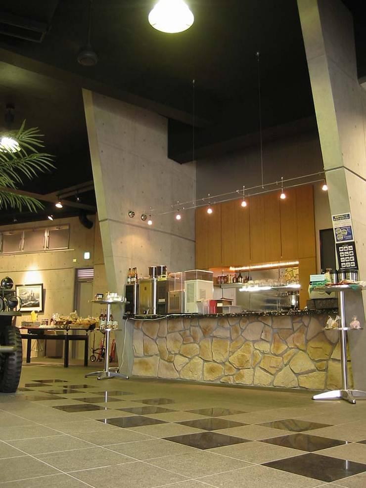 店舗: 株式会社 t2・アーキテクトデザイン 一級建築士事務所が手掛けた多目的室です。,