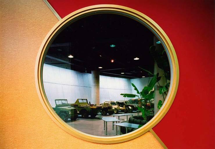 デザイン窓: 株式会社 t2・アーキテクトデザイン 一級建築士事務所が手掛けた窓&ドアです。,