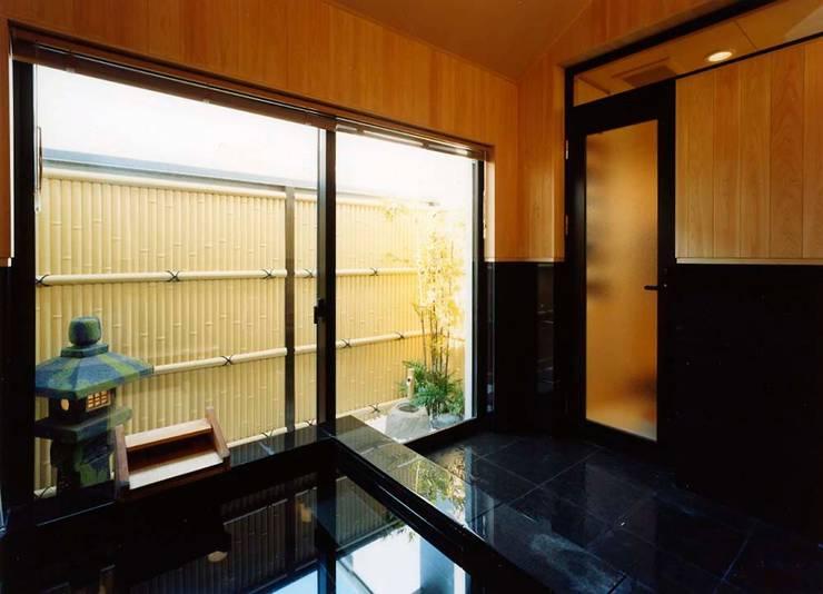 浴室: 株式会社 t2・アーキテクトデザイン 一級建築士事務所が手掛けた浴室です。