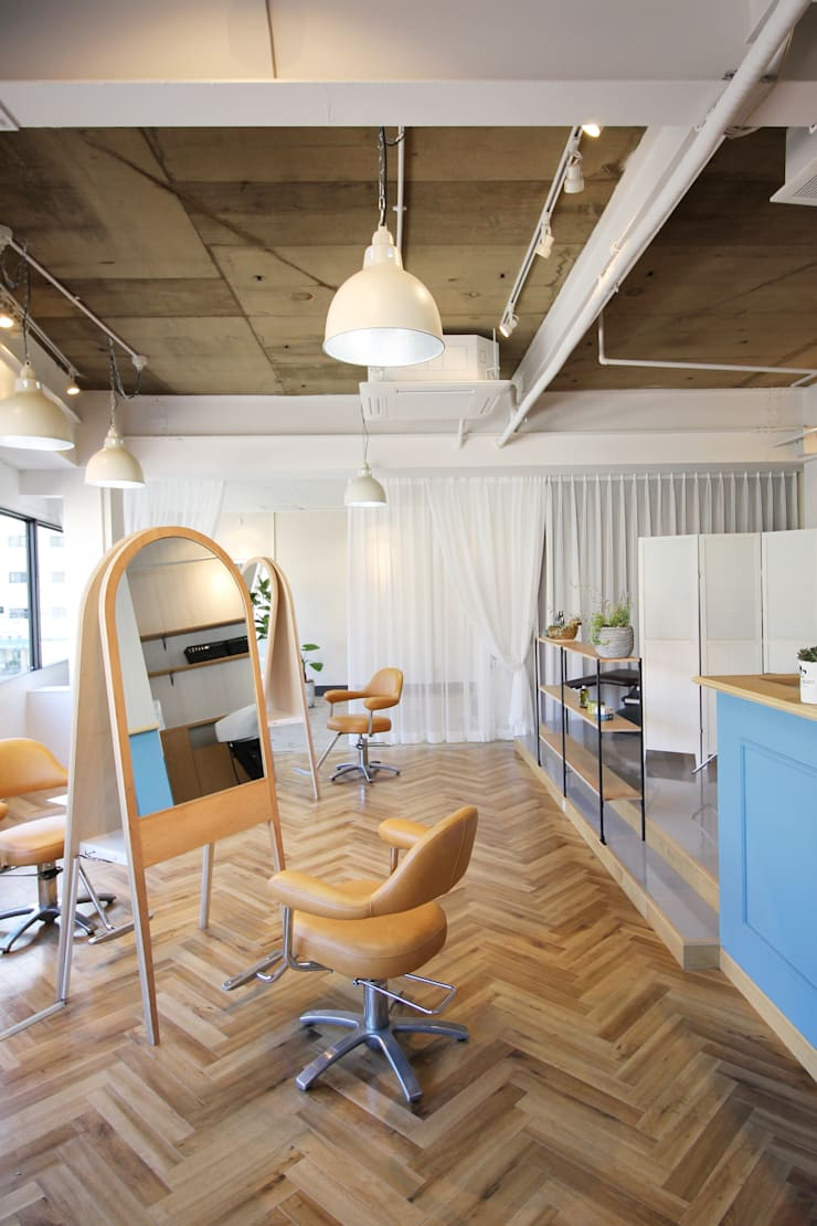 Lycka: TRANSFORM  株式会社シーエーティが手掛けたオフィススペース&店です。,