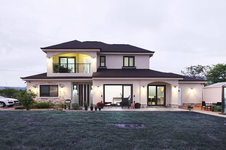 Projekty,  Domy zaprojektowane przez 윤성하우징