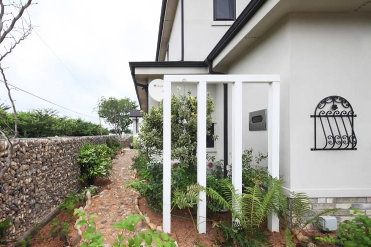 庭院 by 윤성하우징