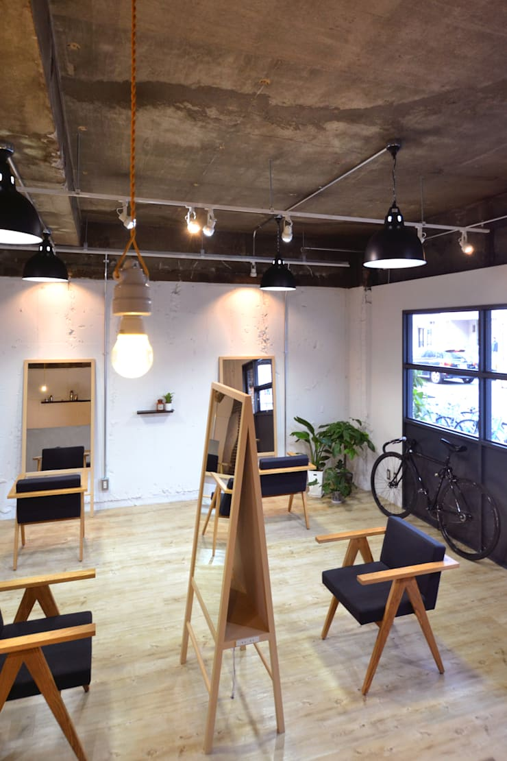 settle: TRANSFORM  株式会社シーエーティが手掛けたオフィススペース&店です。