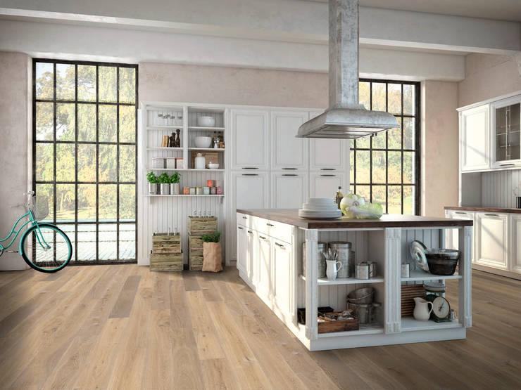 Holzboden: Ambiente Eiche, classic, gehobelt, kaschmirgrau, geölt.:  Wände von Hain Parkett