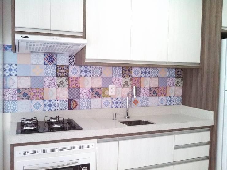 Adesivo Decorativo Azulejinhos: Cozinha  por Decoralis