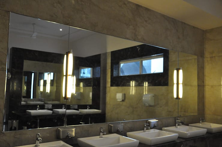 Cloakrooms:  Hotels by SDI consultants pvt ltd,Colonial