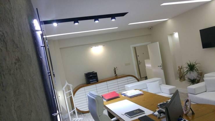 Mimarea Mimarlık & İç Mimarlık – ARC Hukuk Bürosu:  tarz Ofis Alanları