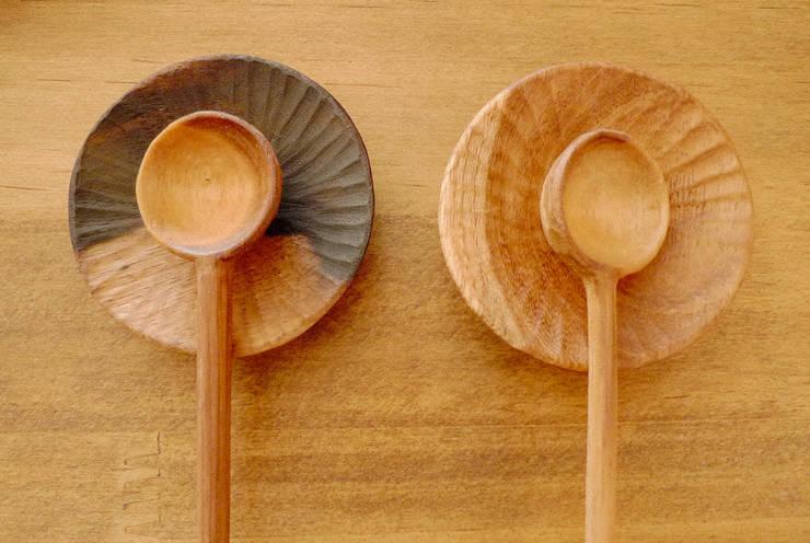 シュガーメジャーとミニ皿のセット:  みたけさいとう商店が手掛けたキッチンです。