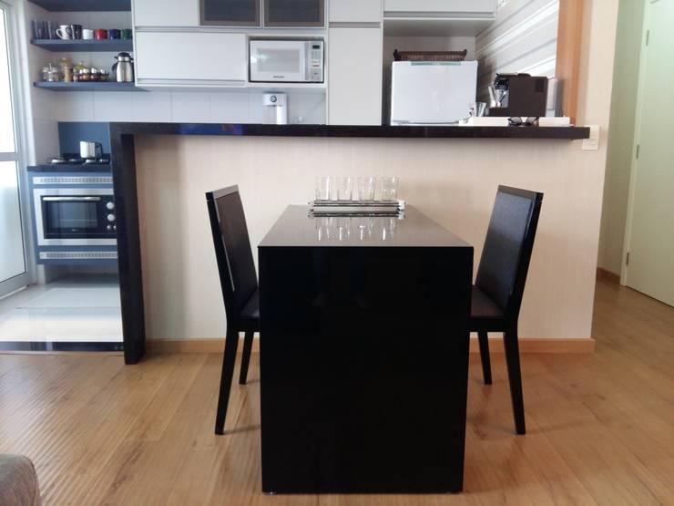 Reforma de apartamento: Sala de jantar  por Arquiteto Lucas Lincoln