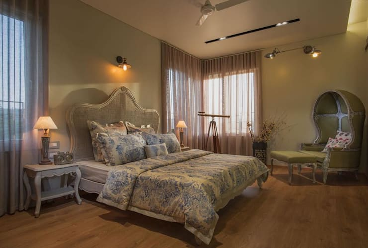 Lunavat residence:  Bedroom by Archtype