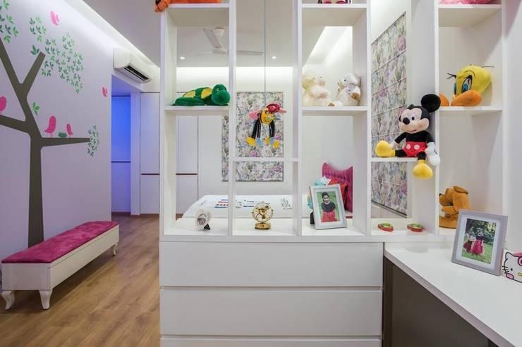 Lunavat residence:  Nursery/kid's room by Archtype