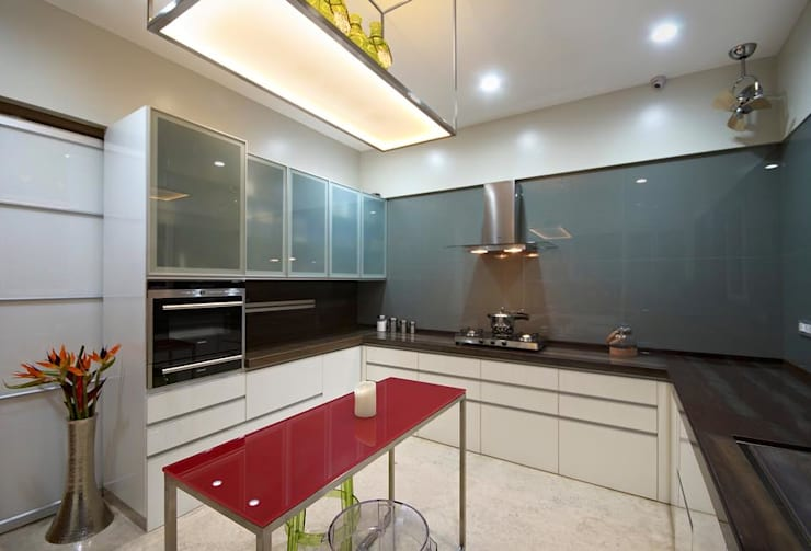 Residence: modern Kitchen by Archtype