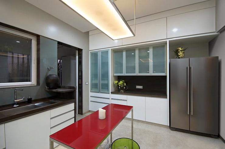 Residence:  Kitchen by Archtype