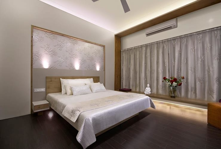 Residence:  Bedroom by Archtype