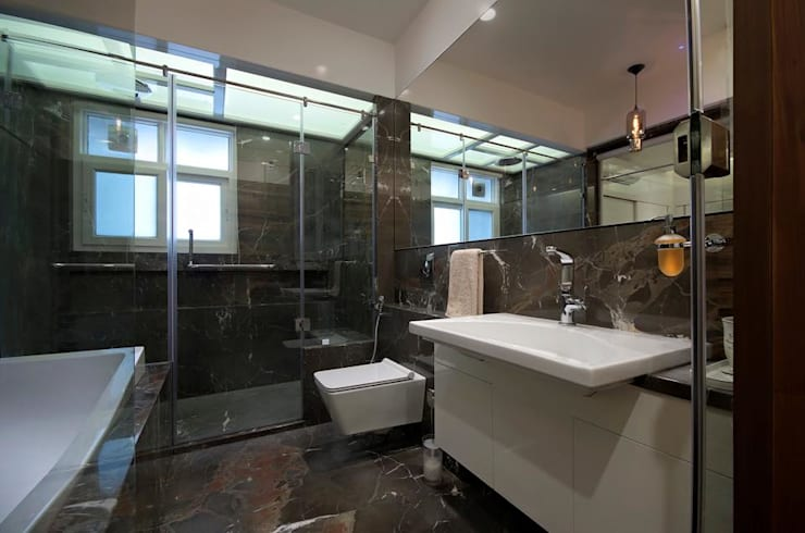 Residence: modern Bathroom by Archtype
