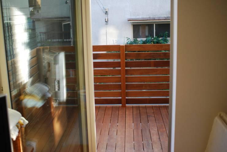 KB House: 株式会社グリーンプラスが手掛けたテラス・ベランダです。