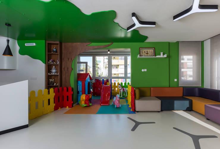 Mimoza Mimarlık – BEKLEME ALANI:  tarz Klinikler, Modern