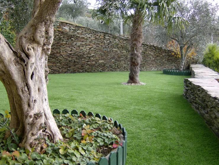 Jardim - Relva Sintética - Alijó:   por Norpavi