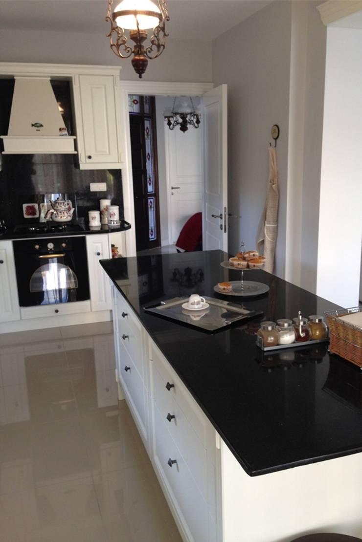 BAGO MİMARLIK  – Urla B.T Evi:  tarz Mutfak, Modern