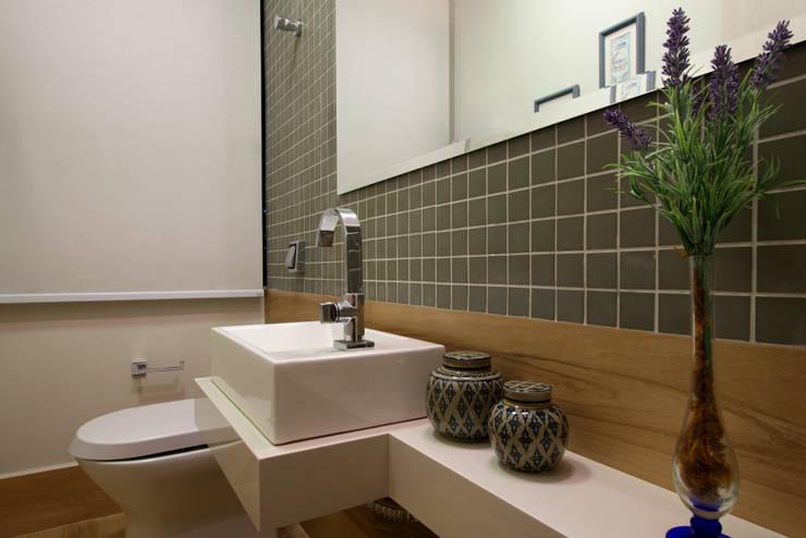 Lavabo: Clínicas  por Régua Arquitetura