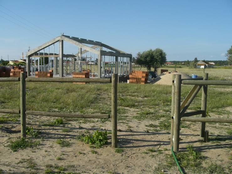 Casas de estilo rural por knowhowtobuild