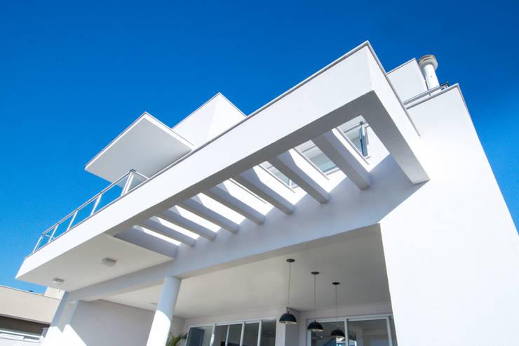 Residência em Condomínio Horizontal: Casas  por ARCHITECTARI ARQUITETOS