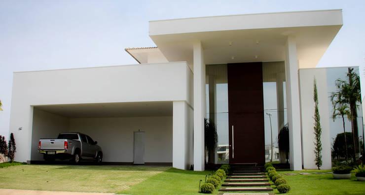 modern Houses by Andrea F. Bidóia Arquiteta