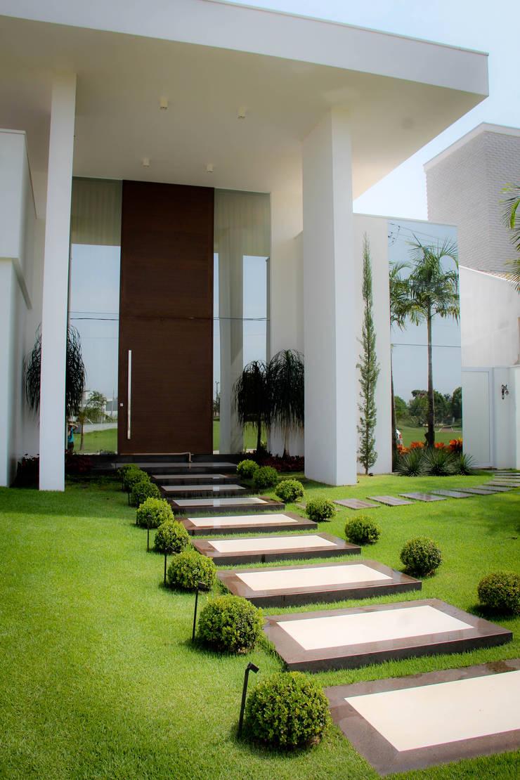 Residência Primavera: Casas  por Andrea F. Bidóia Arquiteta