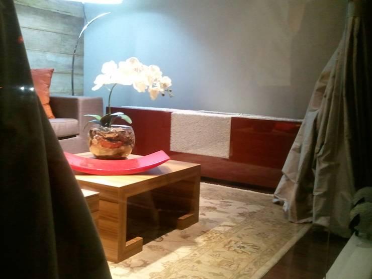 Vitrine Casa Fortaleza: Salas de estar  por Leben Arquitetura