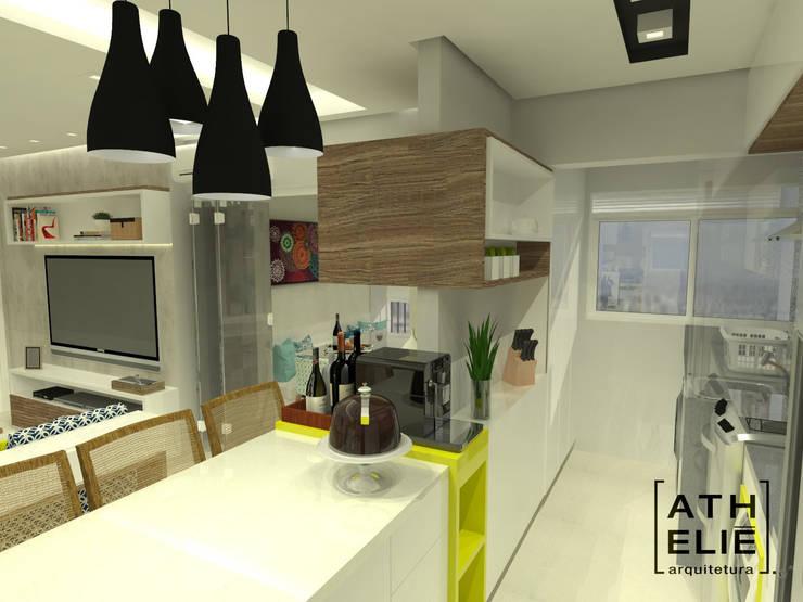 Cozinha Integrada: Cozinhas  por ATHeliê Arquitetura