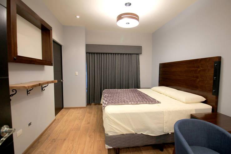 Projekty,  Sypialnia zaprojektowane przez D.I. Pilar Román, Industrialny