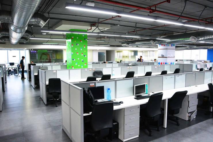 workstations - Phase II:   by Horizon Design Studio Pvt Ltd