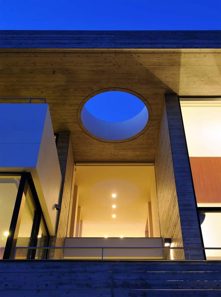 KaleidoscopeⅡ: 澤村昌彦建築設計事務所が手掛けた家です。,モダン