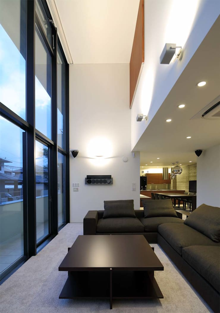 KaleidoscopeⅡ: 澤村昌彦建築設計事務所が手掛けたリビングです。,モダン