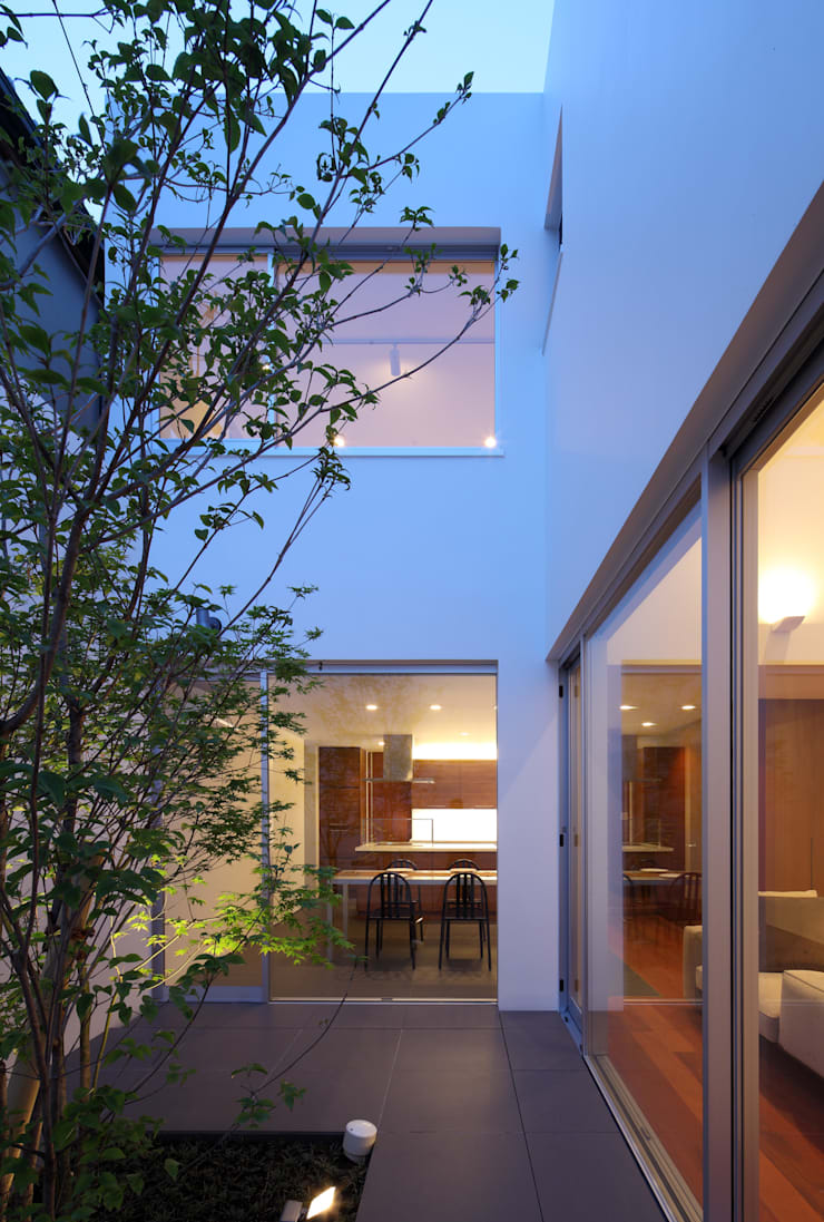 KaleidoscopeⅣ: 澤村昌彦建築設計事務所が手掛けた庭です。,モダン
