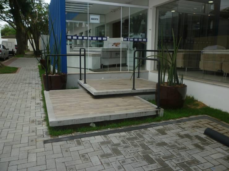 Toque de Classe: Lojas e imóveis comerciais  por ANALU ANDRADE - ARQUITETURA E DESIGN