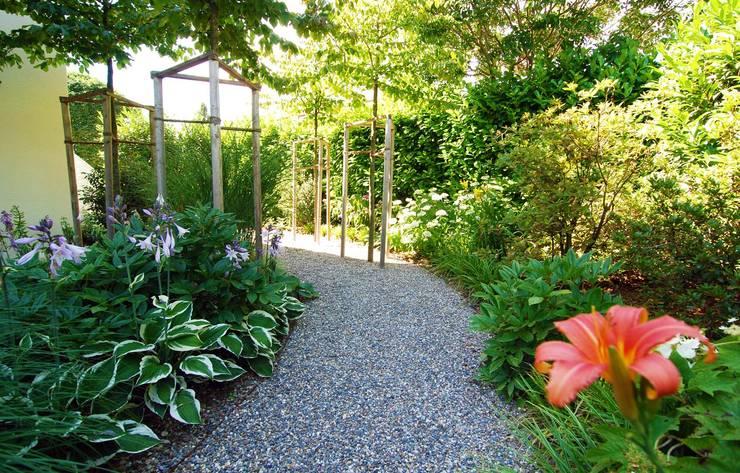 Jardines de estilo rural de Lustenberger Schelling Landschaftsarchitektur