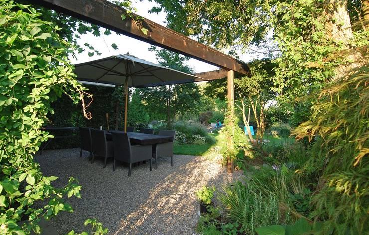 Landhausgarten:  Garten von Lustenberger Schelling Landschaftsarchitektur