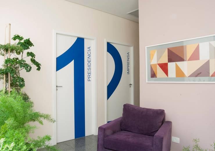 by ANALU ANDRADE - ARQUITETURA E DESIGN Modern